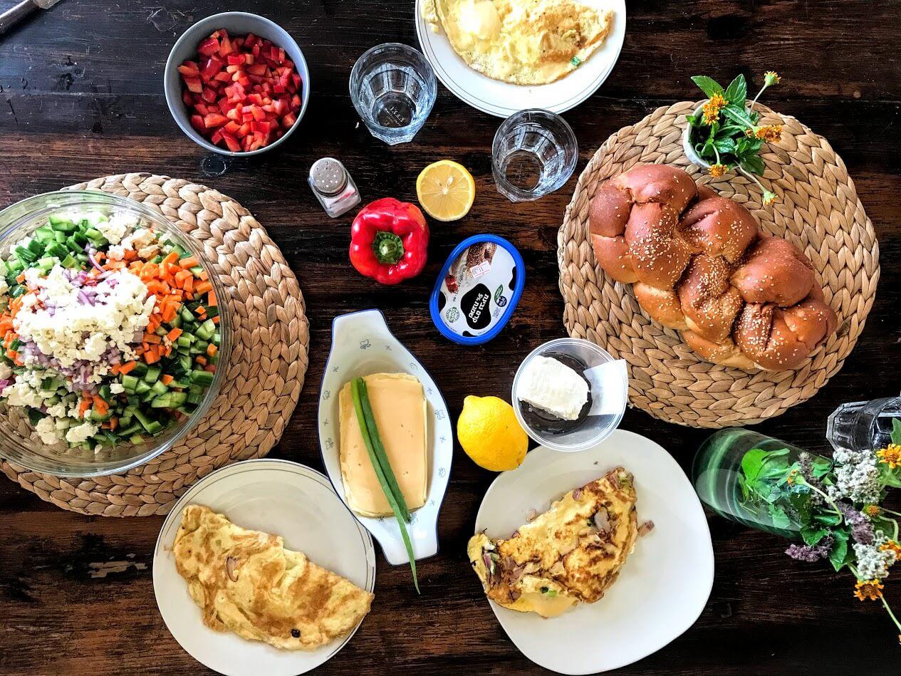 ארוחת בוקר אחוזת השחר כליל גליל חופשה צימר