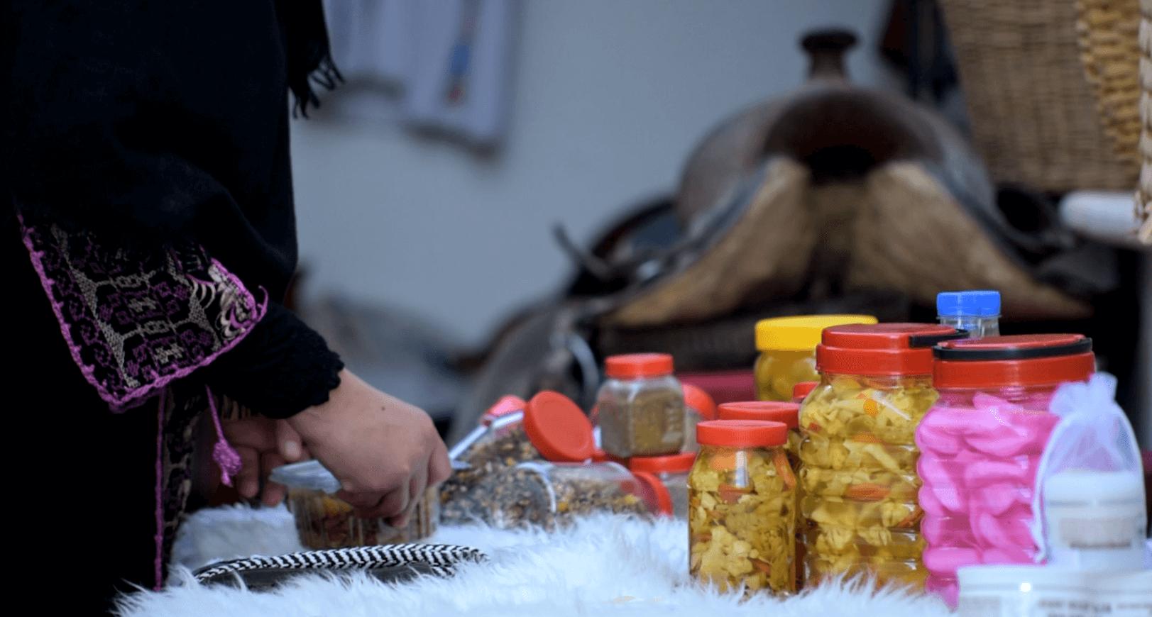 אירוח אוכל בדואי מסורתי רהט ג'ולייט בדר