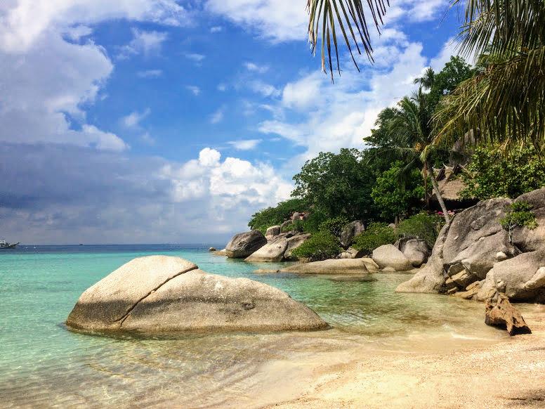 החוף של מלון קבנה (cabana), מלון מומלץ בקוטאו, תאילנד