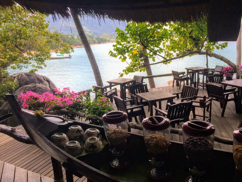 מסעדת המלון של קבנה (cabana) שבקוטאו. המלצות לחופשה בתאילנד