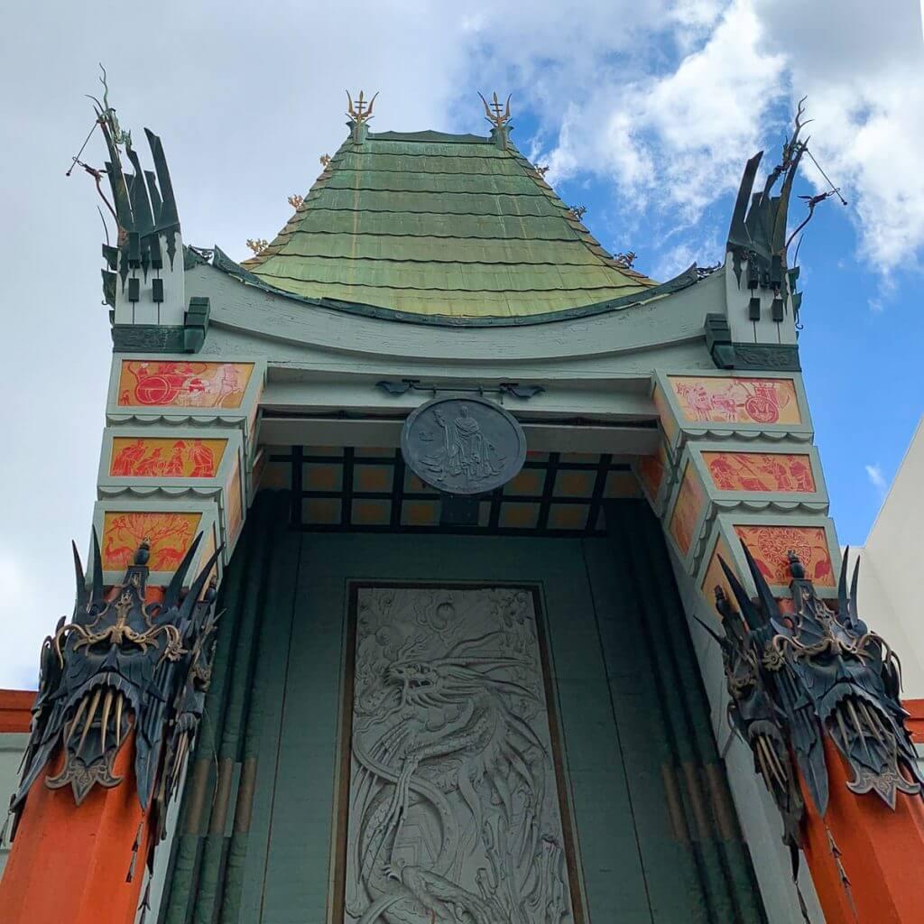 חזית התיאטרון הסיני. מתוך טיול בלוס אנג'לס: מה עושים, איפה ישנים ואיזה מקומות אסור לפספס בעיר המלאכים