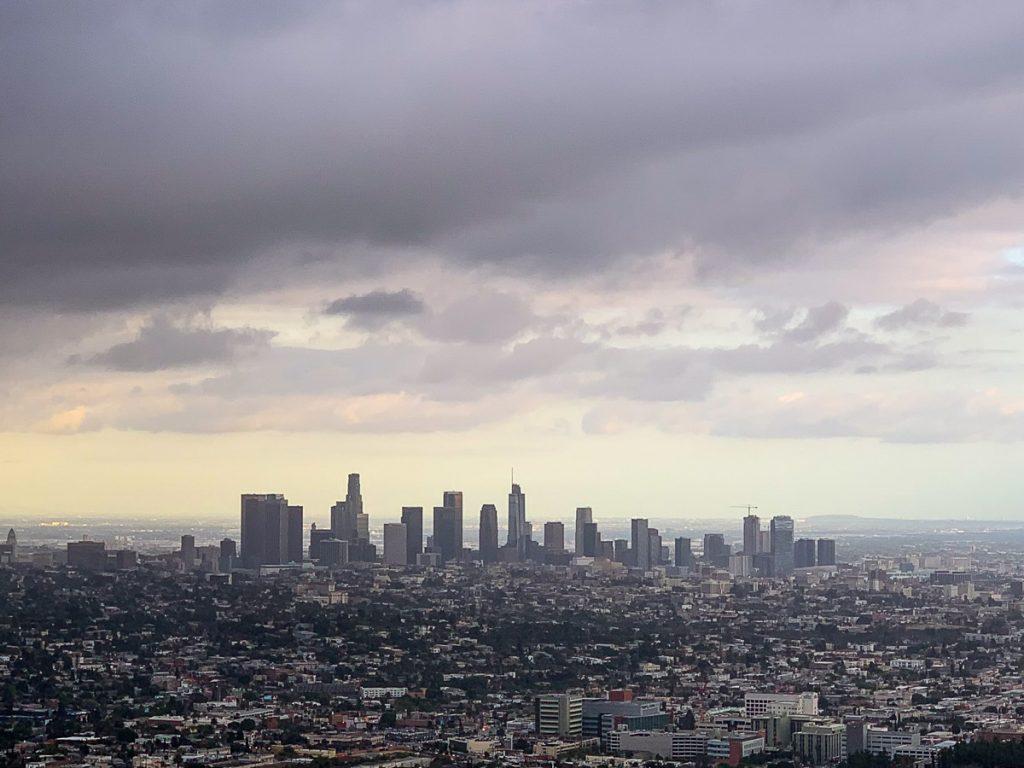 תצפית על העיר. מתוך טיול בלוס אנג'לס: מה עושים, איפה ישנים ואיזה מקומות אסור לפספס בעיר המלאכים