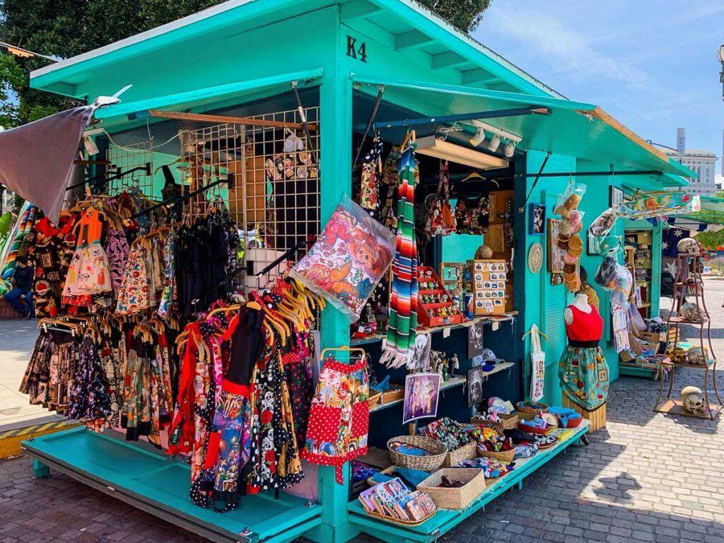 השוק המקסיקני ברחוב אולברה. מתוך טיול בלוס אנג'לס: מה עושים, איפה ישנים ואיזה מקומות אסור לפספס בעיר המלאכים