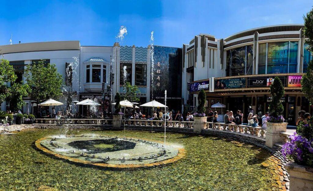 the grove. מתוך טיול בלוס אנג'לס: מה עושים, איפה ישנים ואיזה מקומות אסור לפספס בעיר המלאכים