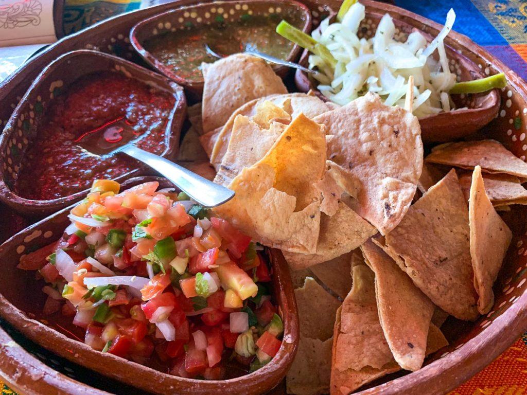 נאצ'וס. מתוך חופשה בעיר הנופש לורטו. מה עושים, איפה מטיילים ובאיזה מסעדות אוכלים בגן העדן הנסתר של מקסיקו