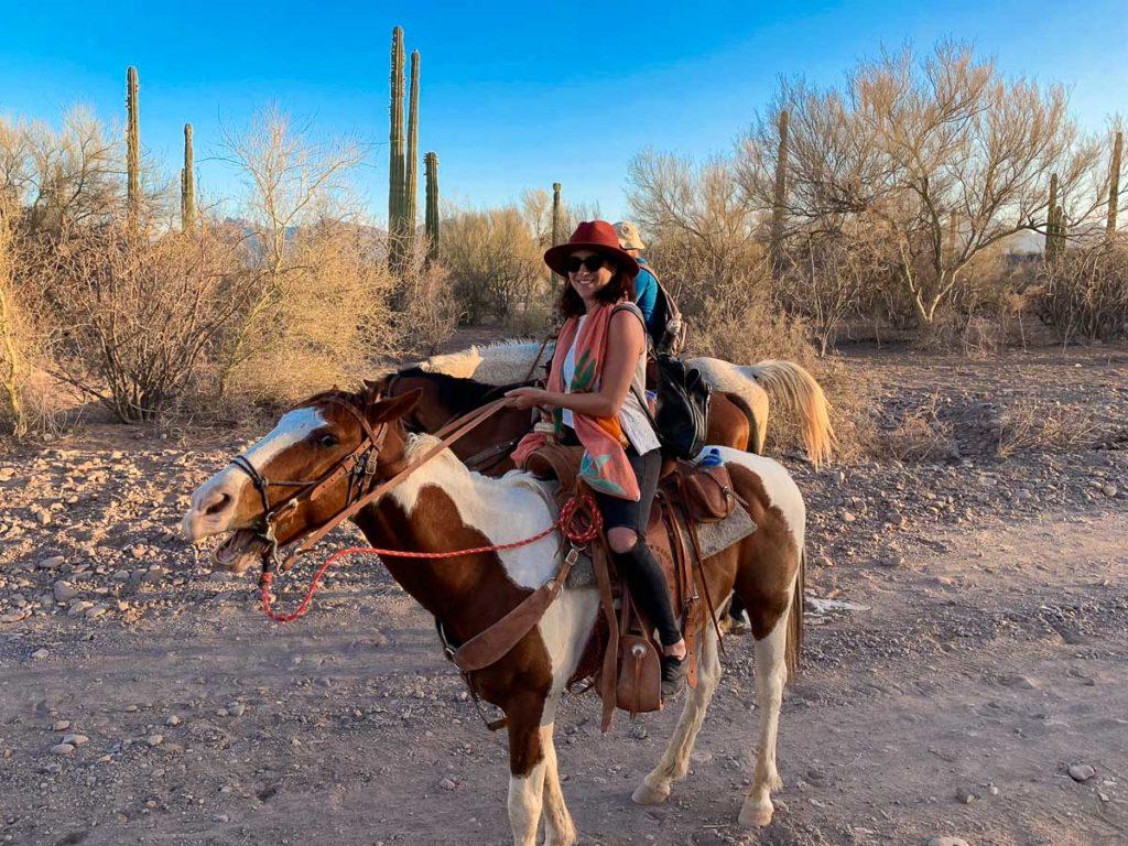 רכיבה על סוסים. חופשה בעיר הנופש לורטו. מה עושים, איפה מטיילים ובאיזה מסעדות אוכלים בגן העדן הנסתר של מקסיקו