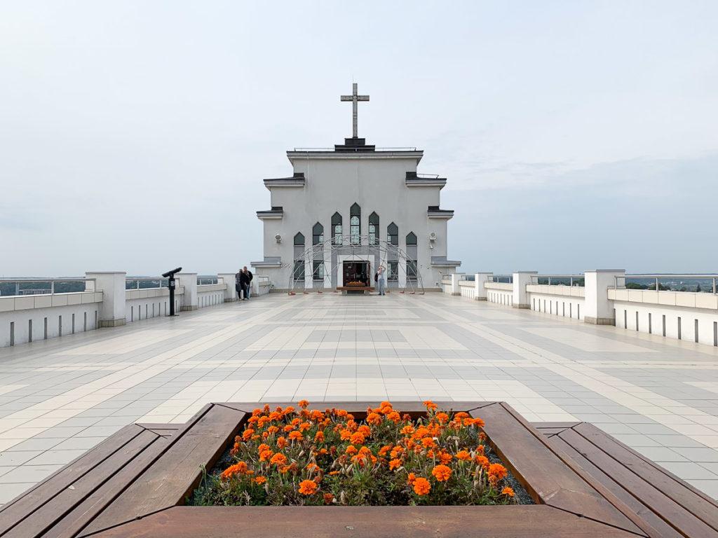 קובנה: העיר הגי מגניבה בליטא. כנסיית התחייה, Christ's Resurrection Church
