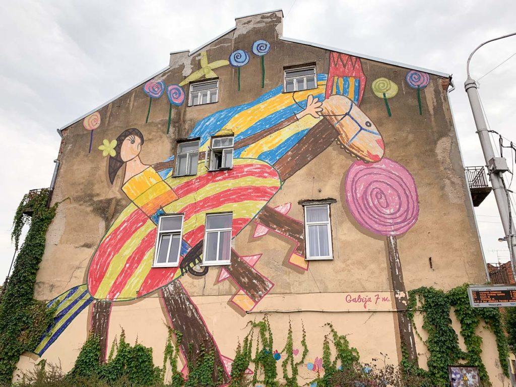 """קובנה: העיר הגי מגניבה בליטא. מה עושים ואיפה אוכלים במהלך סופ""""ש חופשה בעיר המזרח אירופאית"""